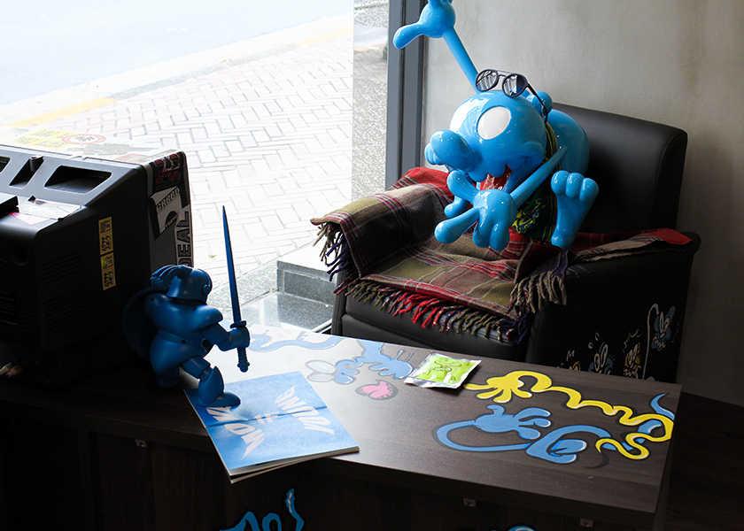 〈ポリス トウキョウ〉の店内が大変身!注目アーティストとのコラボで遊び心あふれる空間!