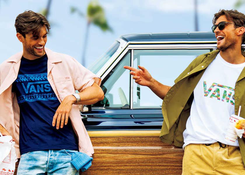 西海岸スタイルの1枚は〈カリフォルニアデプト〉で!ヒネリの効いたプリントでワザありのTシャツ姿に!