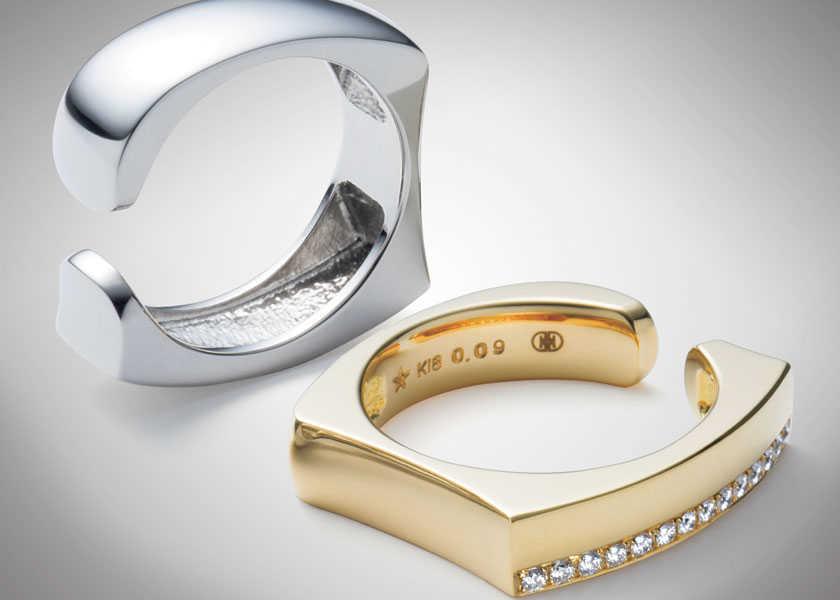FOCUS ON 今月注目したいモノ・コト手元から男のフェロモンを放つシンプルで存在感のあるリング