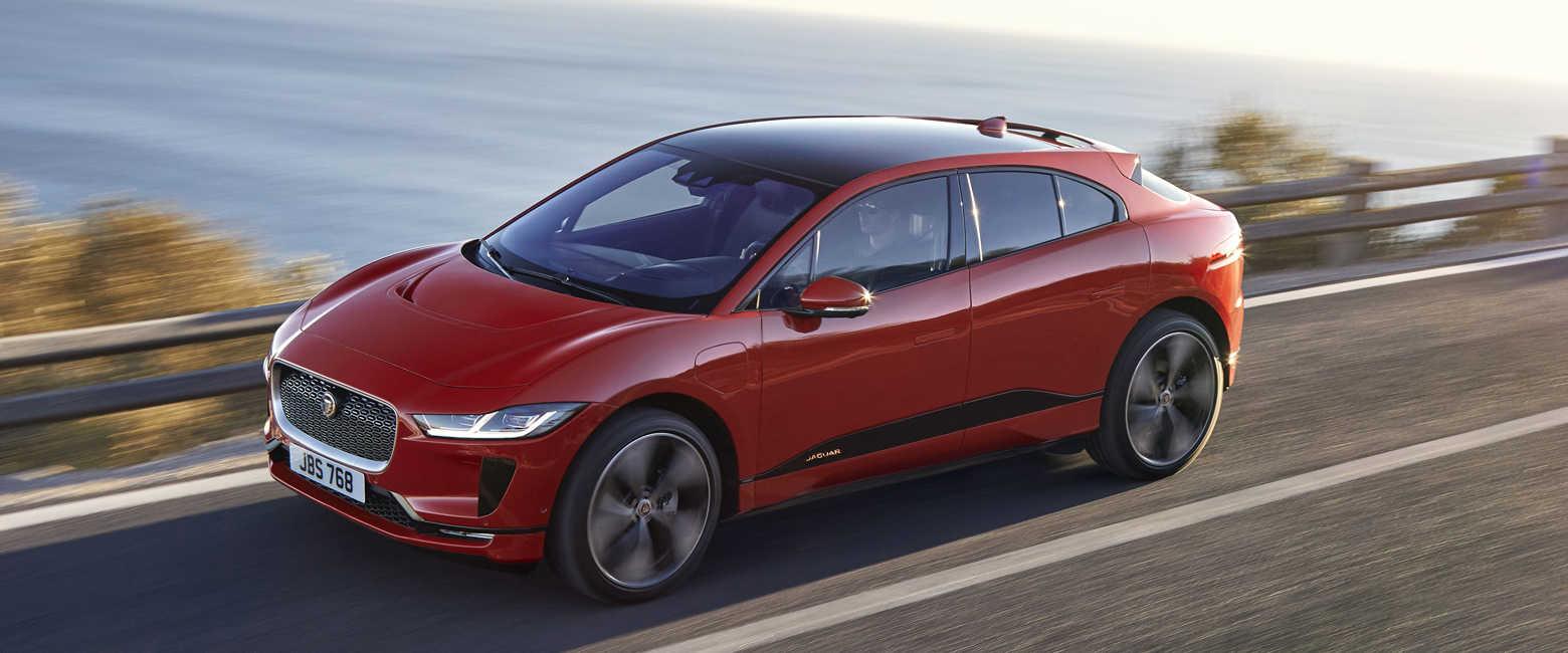 話題のクルマを品定め!ジャガー初の電気自動車はどんな感じ?〈ジャガー〉Iペイス