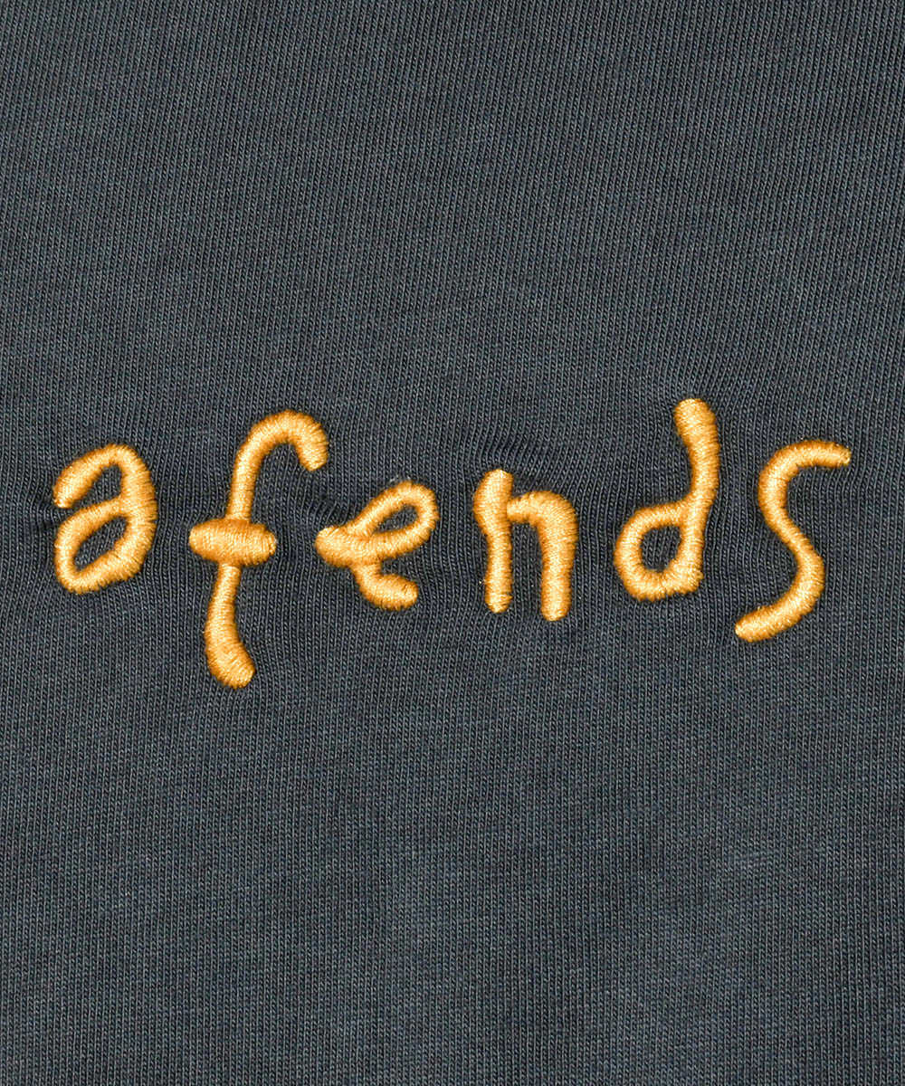 クルーネック刺繍Tシャツ