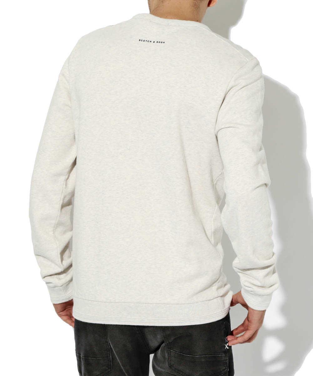 【限定販売商品】エンボススウェットシャツ