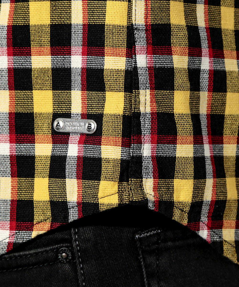 ボタンダウンチェックシャツ